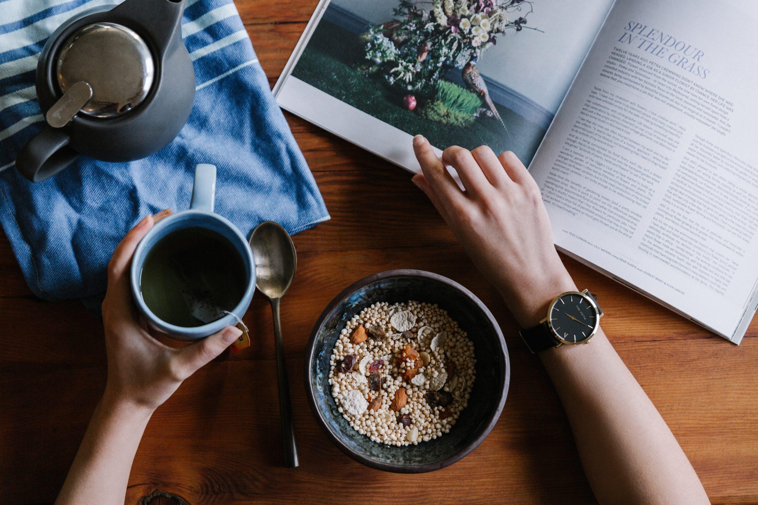 Mains et café
